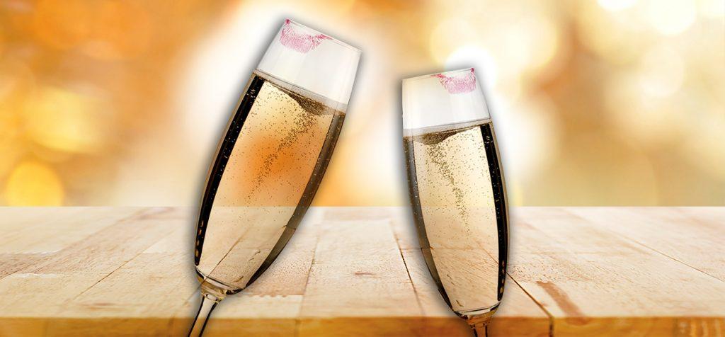 Huulipunaa shampanjalasissa