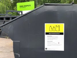 Rinki-ekopisteen muovinkeräyslaatikko